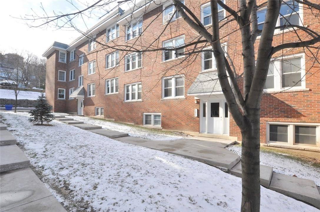 Condo for sale at 9 Rockwood Pl Unit 10 Hamilton Ontario - MLS: H4069544