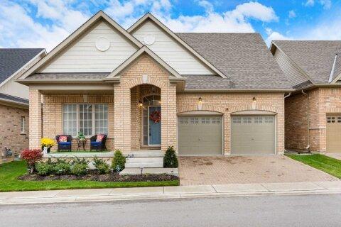 Townhouse for sale at 10 Alamode Rd Brampton Ontario - MLS: W4965727