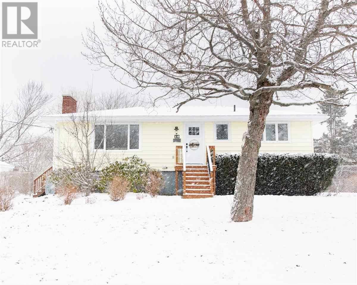 House for sale at 10 Arbutus Ave Herring Cove Nova Scotia - MLS: 202001173