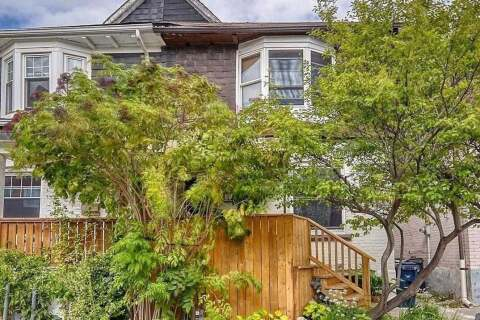 Townhouse for sale at 10 Archer St Toronto Ontario - MLS: C4924233