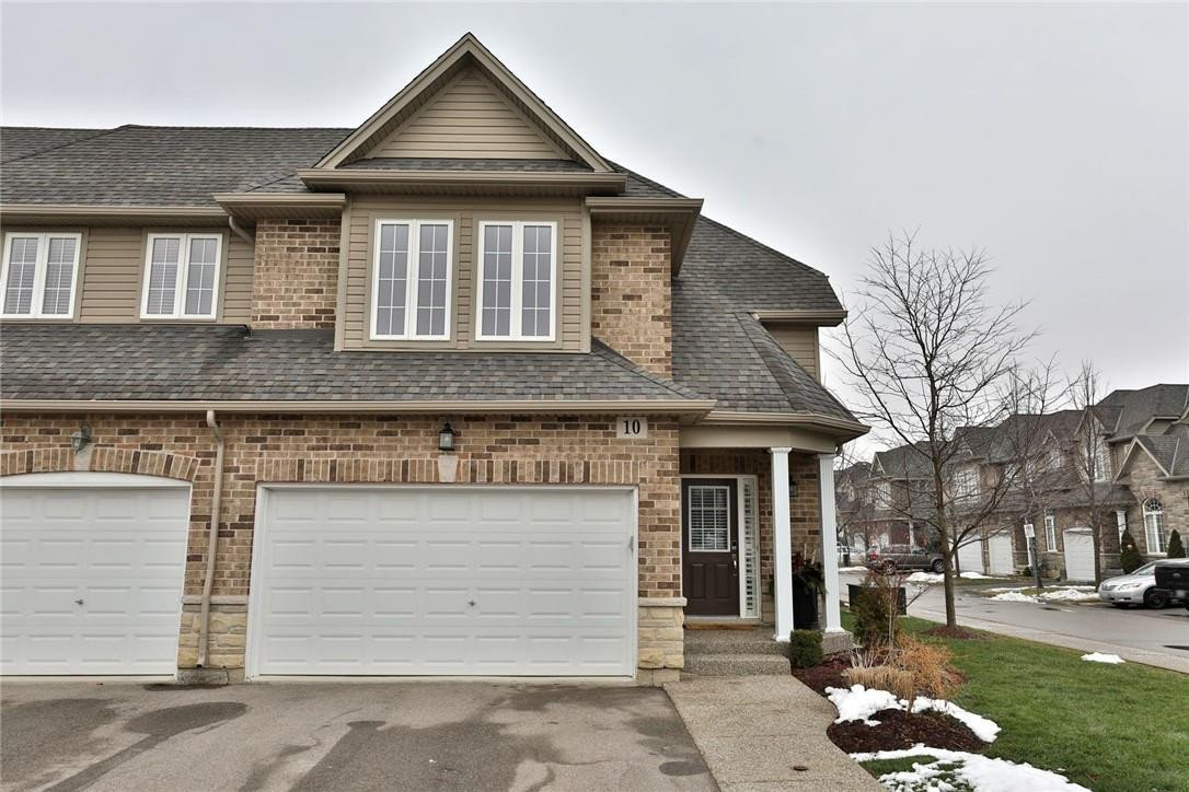Townhouse for sale at 10 Atessa Dr Hamilton Ontario - MLS: H4095750