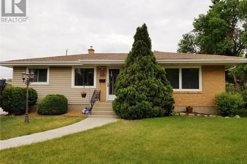 House for sale at 10 Beckett Pl Regina Saskatchewan - MLS: SK776447