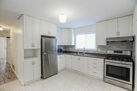 Townhouse for rent at 10 Bedle Ave Toronto Ontario - MLS: C4949946