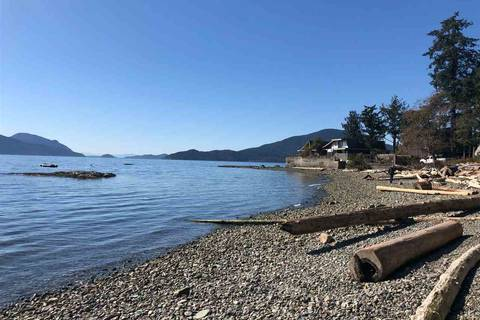 House for sale at 10 Brunswick Beach Rd Lions Bay British Columbia - MLS: R2353029
