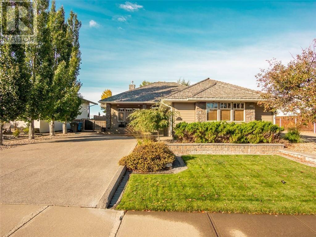 House for sale at 10 Canyon Cs W Lethbridge Alberta - MLS: ld0183079