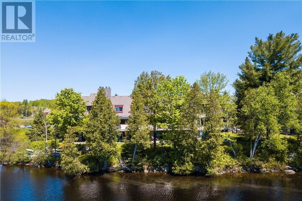 Condo for sale at 10 Coveside Dr Huntsville Ontario - MLS: 40014238