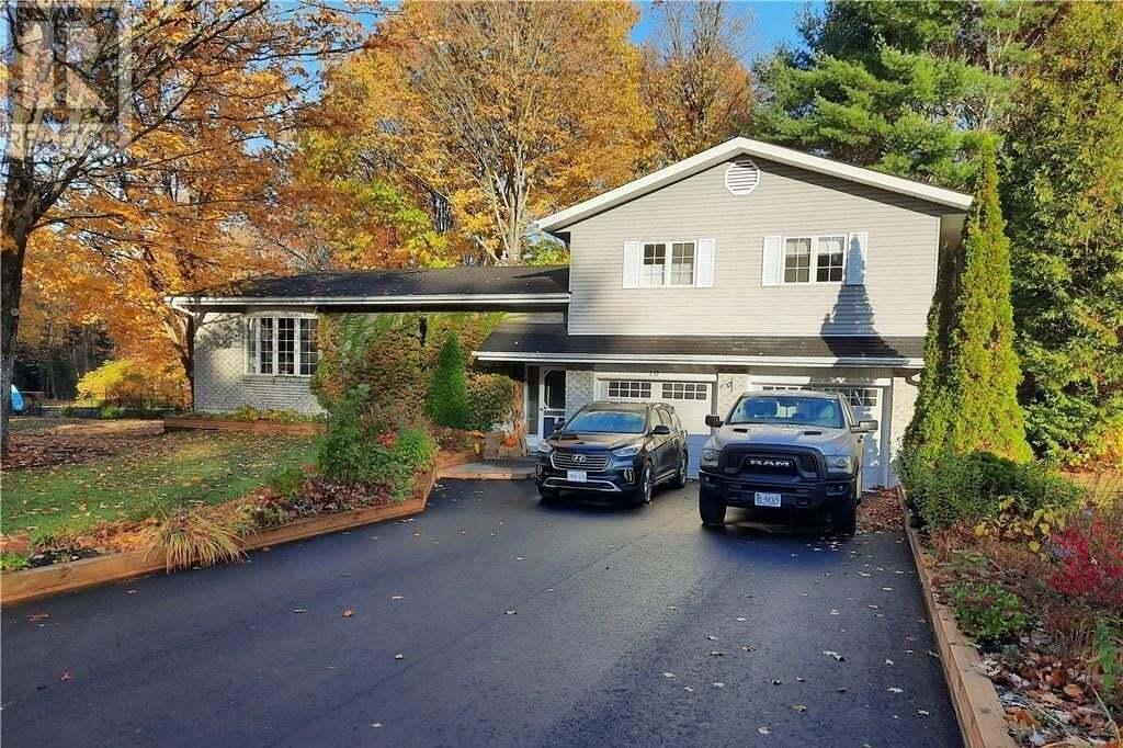 House for sale at 10 Dawson Cres Bracebridge Ontario - MLS: 40034314