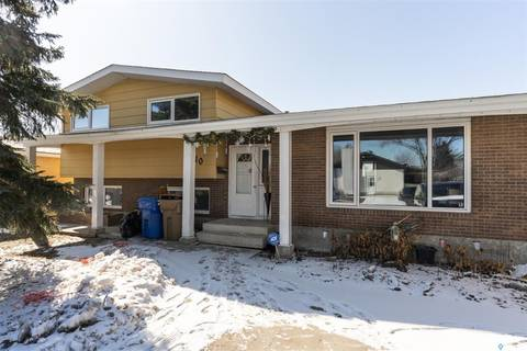 House for sale at 10 Dunsmore Dr Regina Saskatchewan - MLS: SK803204