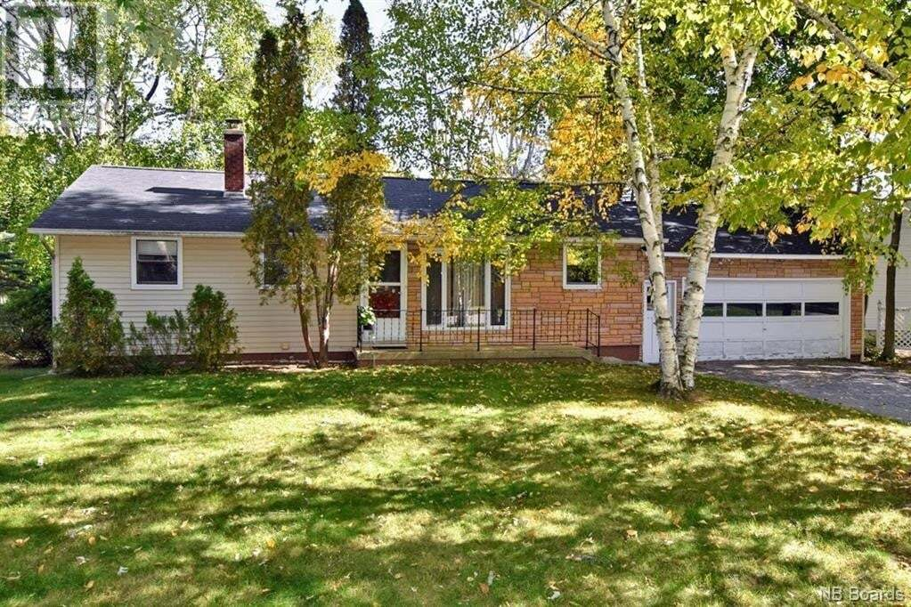 House for sale at 10 Elmwood Ct Fredericton New Brunswick - MLS: NB049962