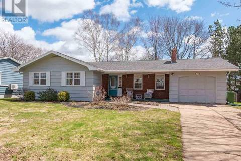 House for sale at 10 Emerald Dr Charlottetown Prince Edward Island - MLS: 201910035