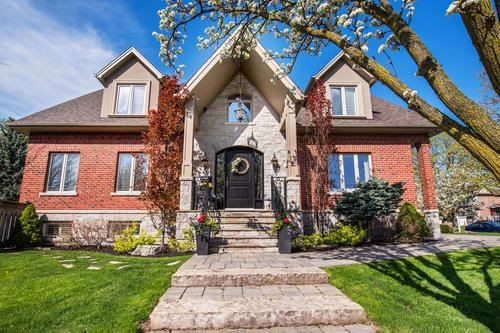 For Sale: 10 Fairlin Drive, Toronto, ON | 4 Bed, 4 Bath House for $2,289,000. See 20 photos!