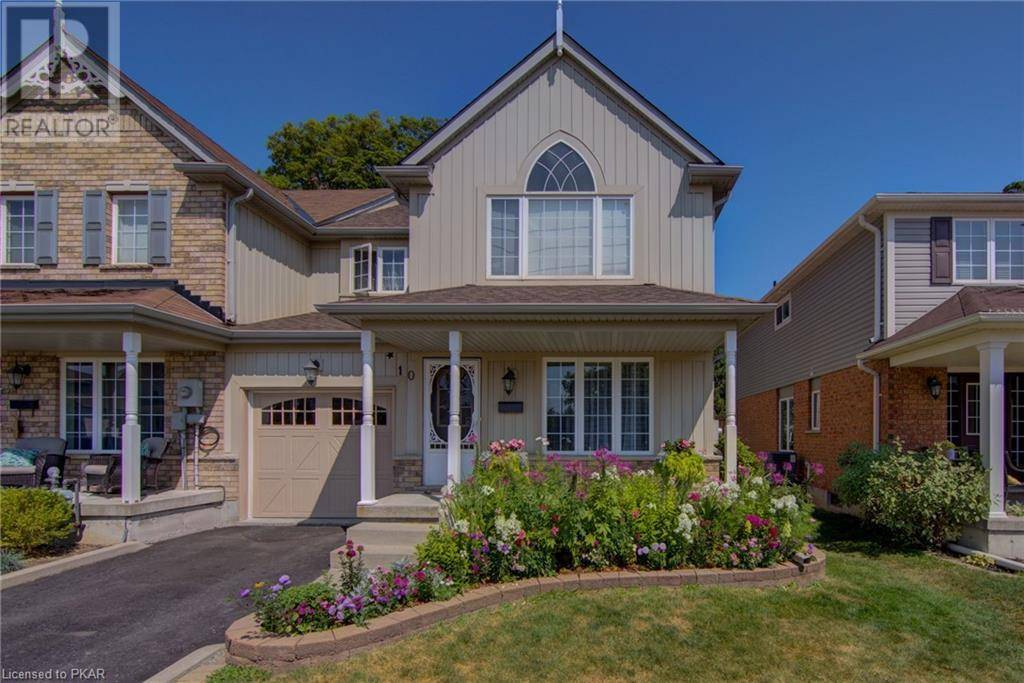 Townhouse for sale at 10 Fallingbrook Cres Lindsay Ontario - MLS: 213293