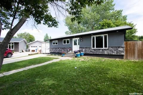House for sale at 10 Fry By Regina Saskatchewan - MLS: SK779492