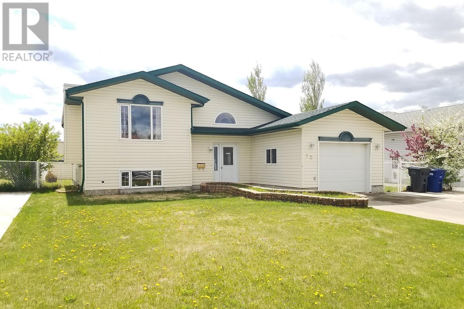 House for sale at 10 Jackson Dr Meadow Lake Saskatchewan - MLS: SK828323