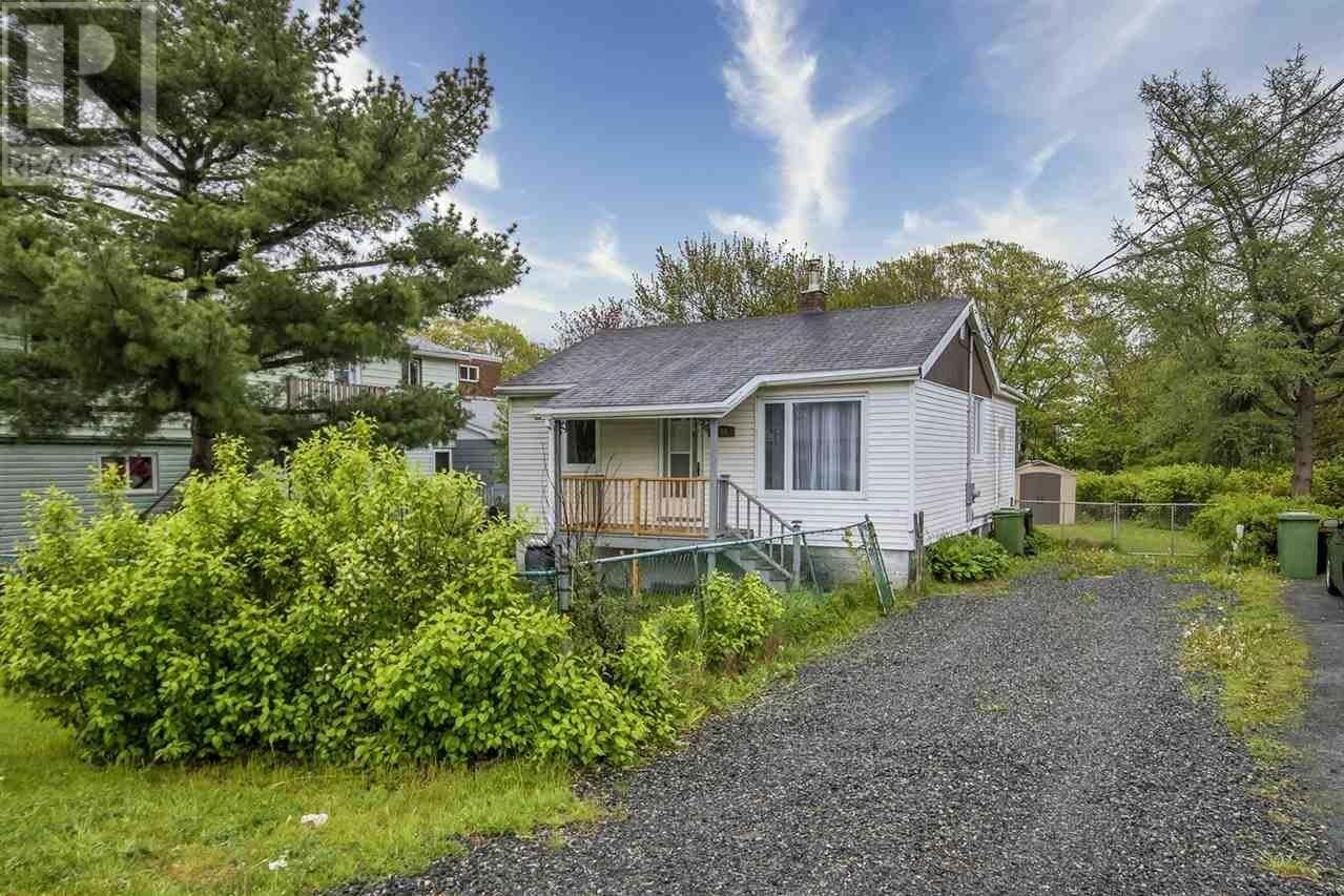 House for sale at 10 Jackson Rd Dartmouth Nova Scotia - MLS: 202009459