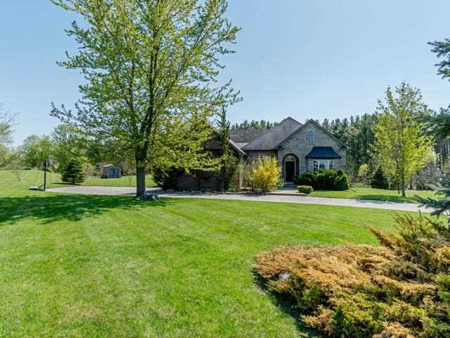 For Sale: 10 Keylime Court, Caledon, ON | 3 Bed, 4 Bath House for $1,369,000. See 20 photos!