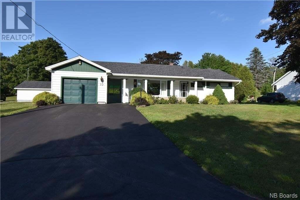 House for sale at 10 Lake Rd Quispamsis New Brunswick - MLS: NB046377