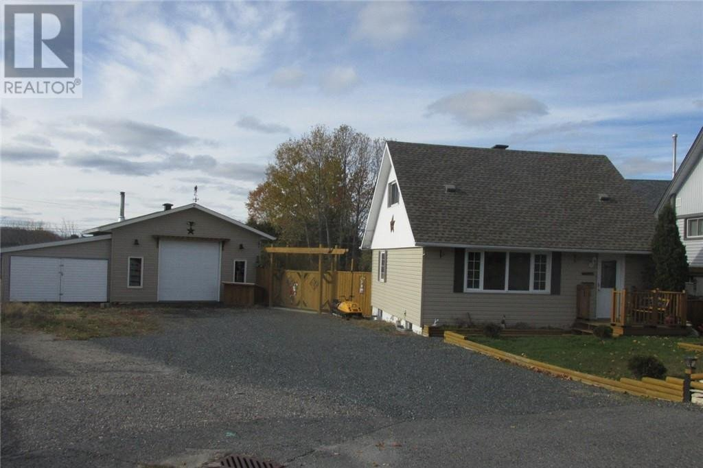 House for sale at 10 Lauzon Cres Elliot Lake Ontario - MLS: 2090132