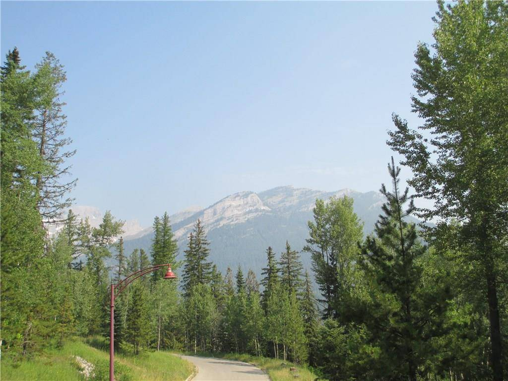 Home for sale at 10 Lodge Trail Ln Fernie British Columbia - MLS: 2433889