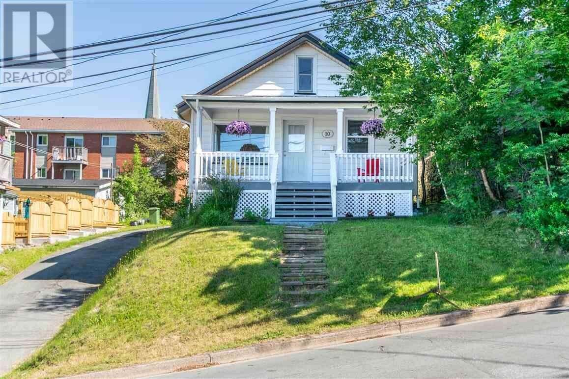 House for sale at 10 Main Ave Halifax Nova Scotia - MLS: 202011997