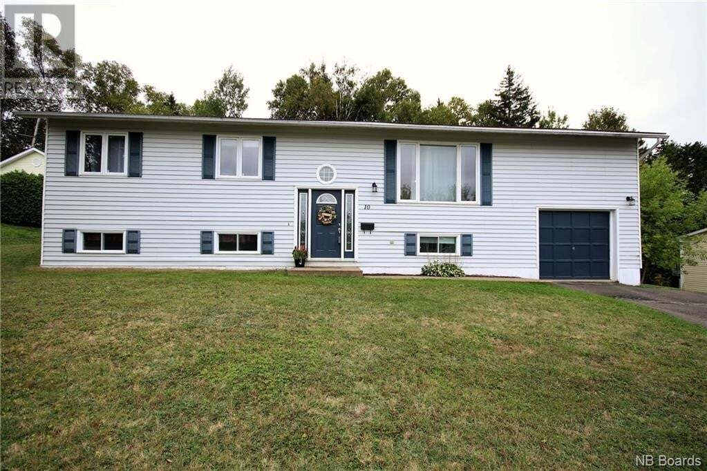 House for sale at 10 Majestic Dr Grand Bay-westfield New Brunswick - MLS: NB043318