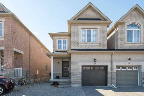 Townhouse for sale at 10 Napanee St Richmond Hill Ontario - MLS: N4729331