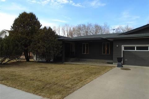 House for sale at 10 Prospect Pl Regina Saskatchewan - MLS: SK803861