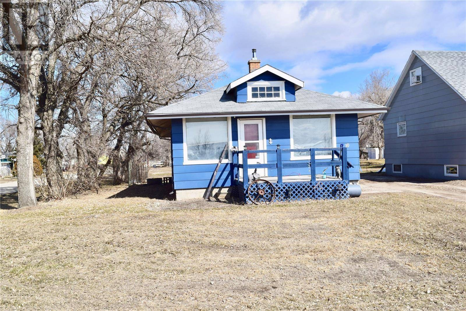 House for sale at 10 Railway Ave Redvers Saskatchewan - MLS: SK766647
