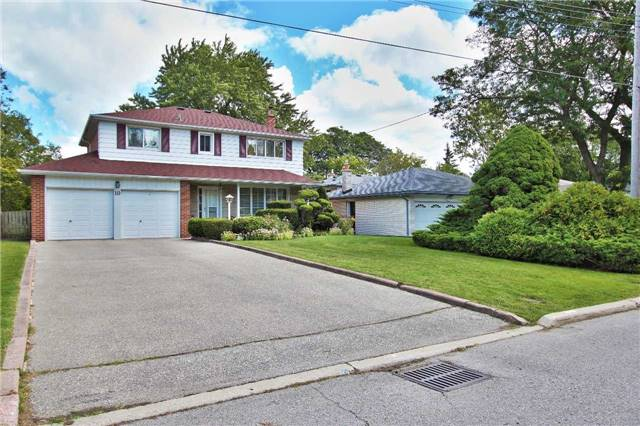 For Sale: 10 Shouldice Court, Toronto, ON | 4 Bed, 3 Bath House for $1,888,000. See 18 photos!