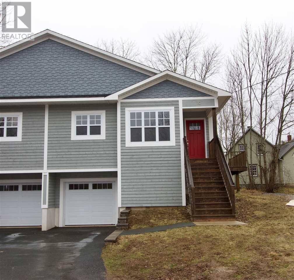 House for sale at 10 Spur St Mahone Bay Nova Scotia - MLS: 202006326
