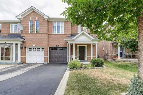 Townhouse for sale at 10 Tanglemere Cres Brampton Ontario - MLS: W4839493