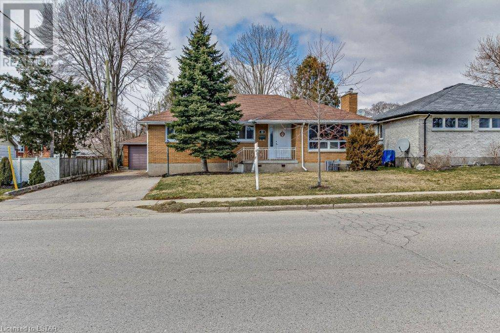 House for sale at 10 Tweedsmuir Ave London Ontario - MLS: 252731