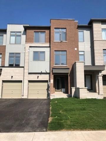 Townhouse for sale at 10 Vantage Loop Dr Newmarket Ontario - MLS: N4583909
