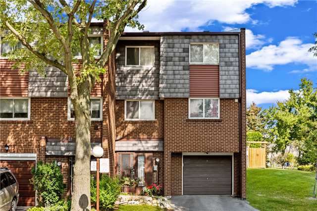 Sold: 10 Vicora Link Way, Toronto, ON