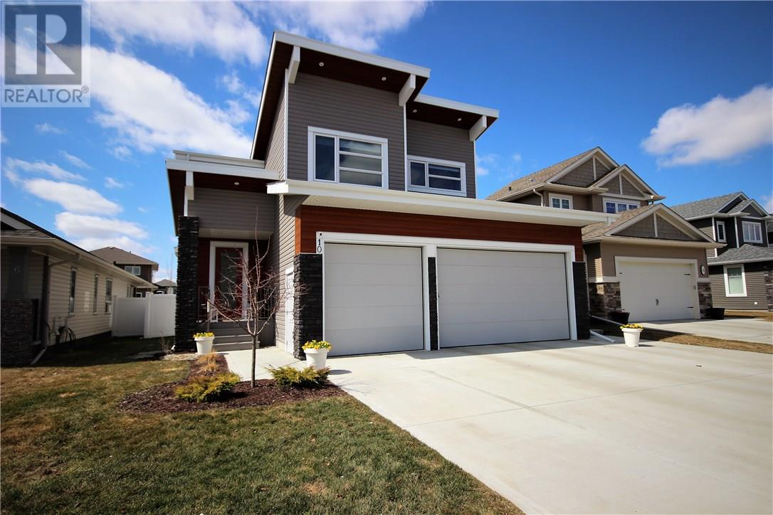 For Sale: 10 Vienna Close, Red Deer, AB | 5 Bed, 4 Bath House for $699,900. See 29 photos!