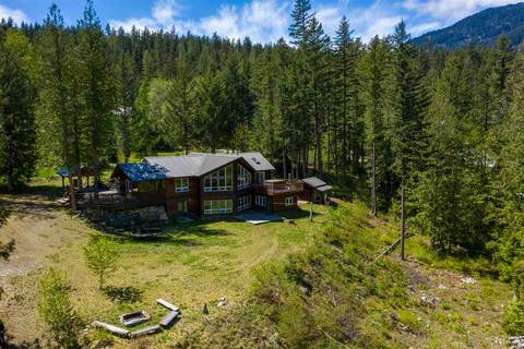 House for sale at 10 Walkerville Rd Pemberton British Columbia - MLS: R2454794
