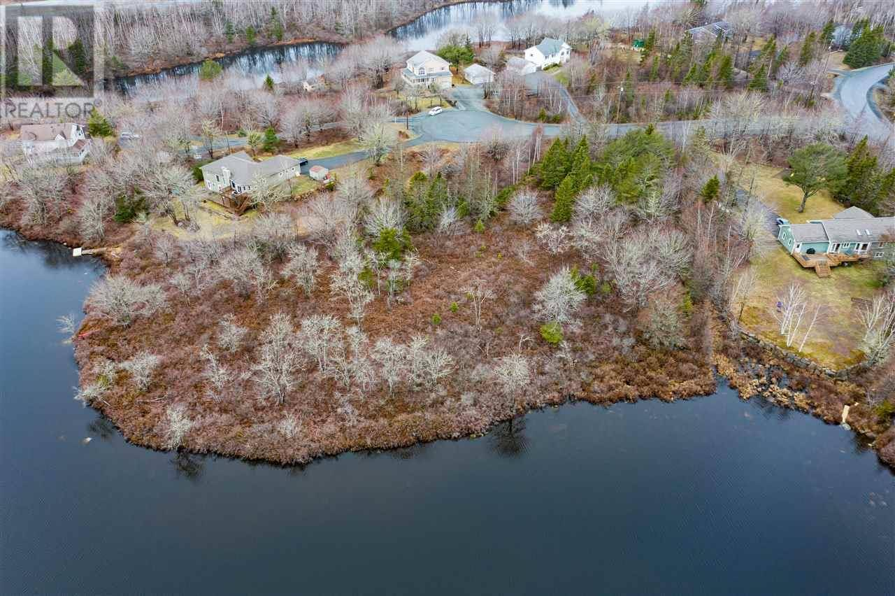Home for sale at 10 Waterloo Wy Stillwater Lake Nova Scotia - MLS: 202006227