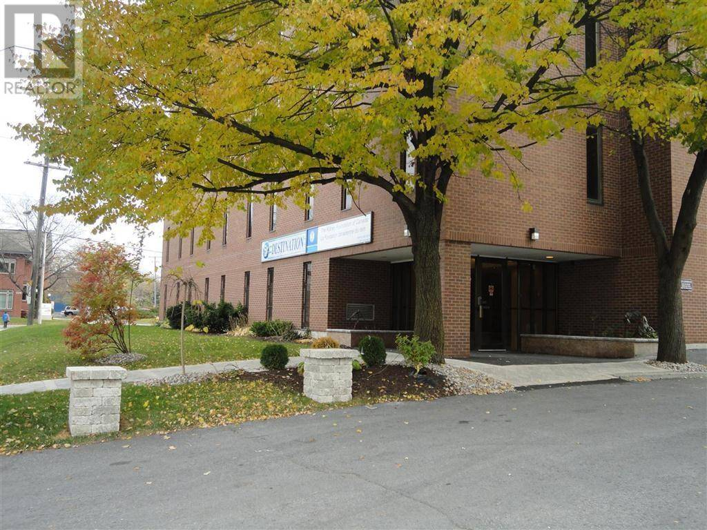 Commercial property for lease at 1376 Bank St Apartment 100 Ottawa Ontario - MLS: 1120764