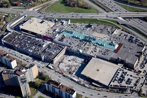 100 Bayshore Drive, Ottawa | Image 2