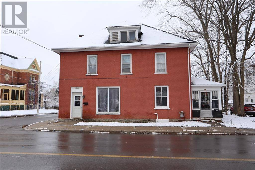 Townhouse for sale at 100 Brockville St Smiths Falls Ontario - MLS: 1174796