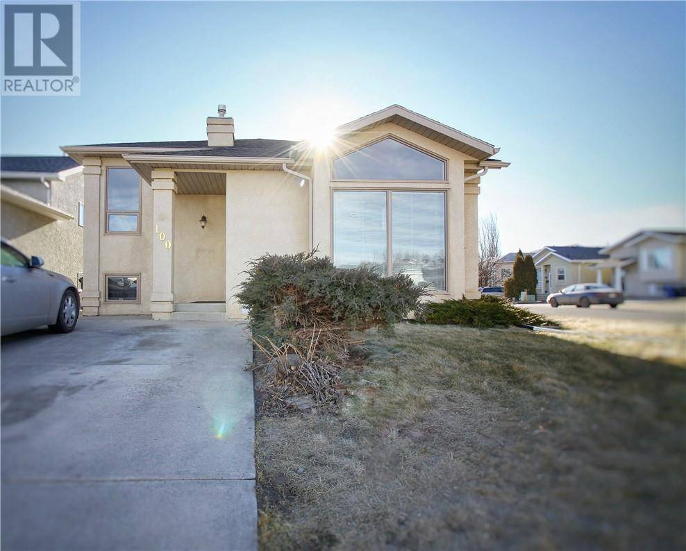 House for sale at 100 Chilcotin Rd W Lethbridge Alberta - MLS: ld0188150