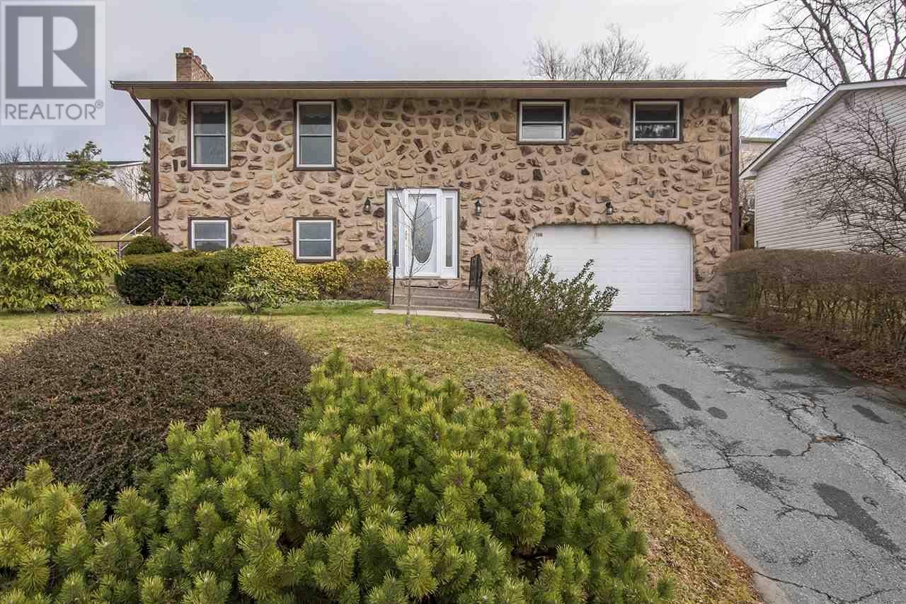 House for sale at 100 Collins Gr Dartmouth Nova Scotia - MLS: 201927062
