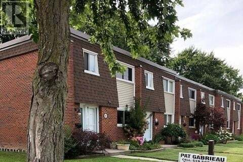 Townhouse for sale at 100 Cranbrook Ct Essex Ontario - MLS: 20009505