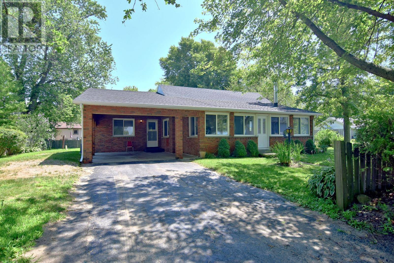 House for sale at 100 Crystal Beach  Essex Ontario - MLS: 19022861