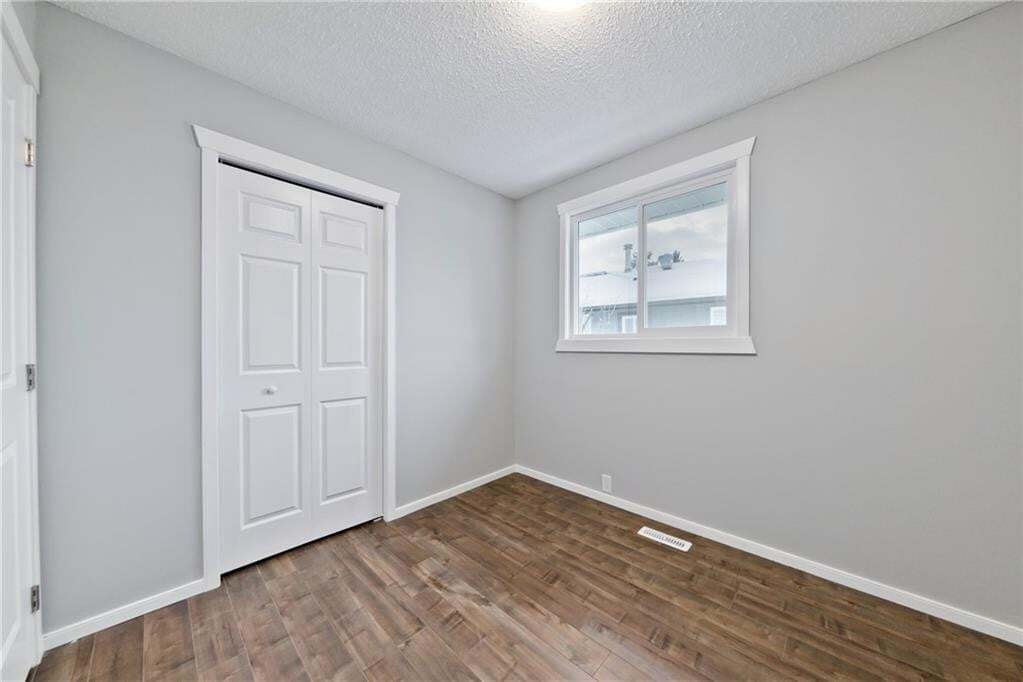 100 Doverview Place SE, Dover, Calgary | Image 2