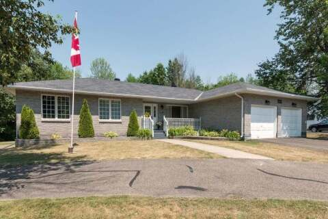 House for sale at 100 Golf Club Rd Smiths Falls Ontario - MLS: 1199064