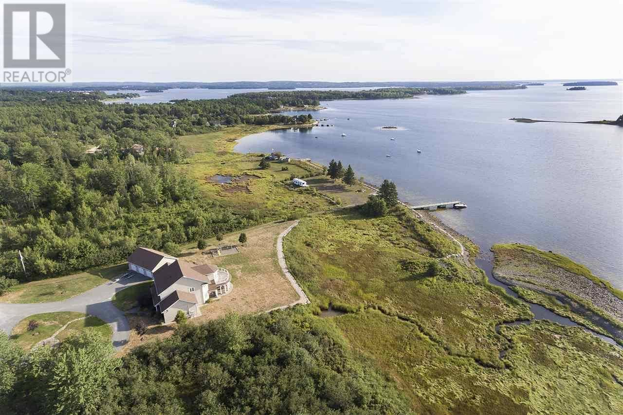 House for sale at 100 Mcginnis Rd Mahone Bay Nova Scotia - MLS: 201823028