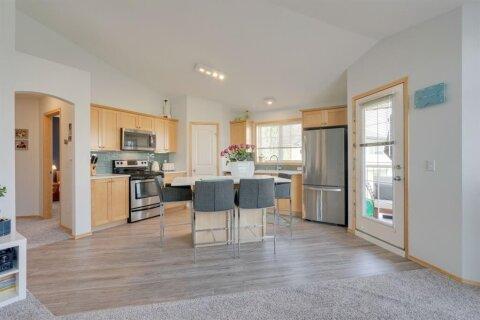 Townhouse for sale at 100 Panatella Landng NW Calgary Alberta - MLS: A1024164