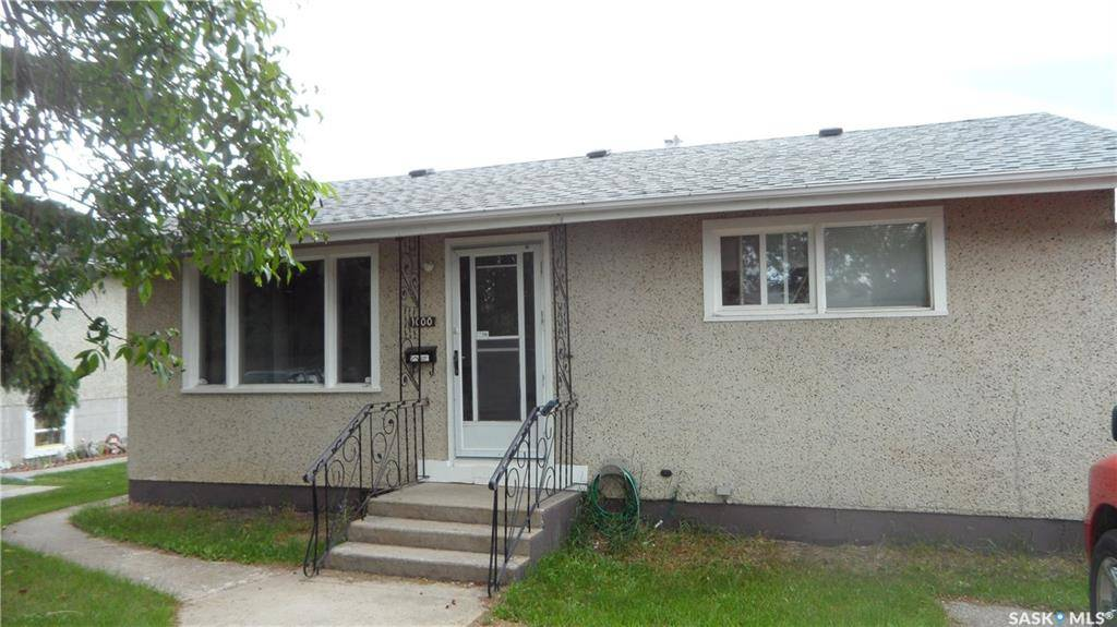 House for sale at 1000 13th St W Prince Albert Saskatchewan - MLS: SK778007