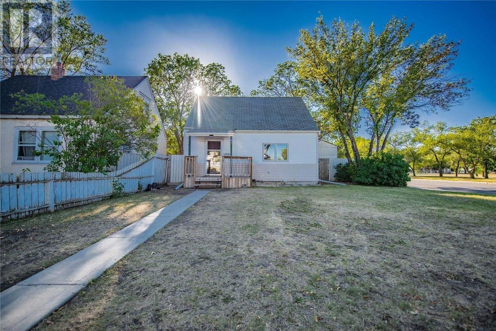 House for sale at 1000 Cameron St Regina Saskatchewan - MLS: SK824646